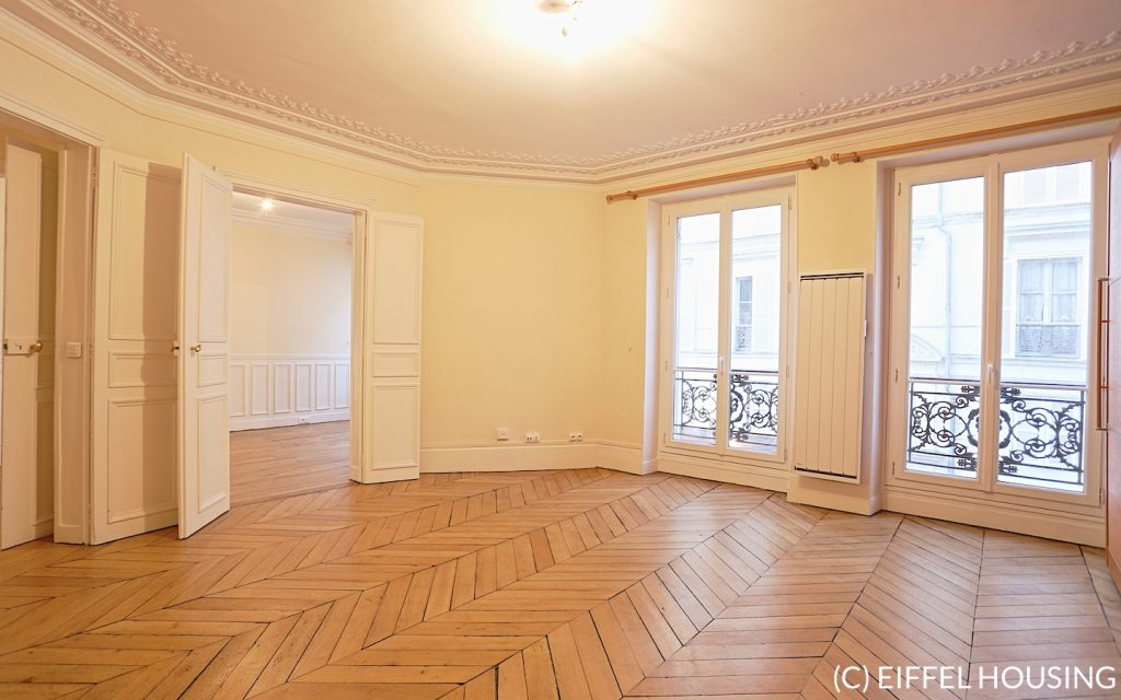 Rue des martyrs paris 9 apartment for rent eiffel for Miroir rue des martyrs